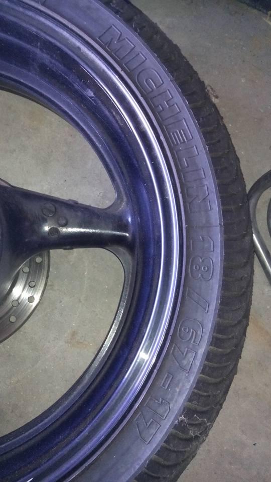 train de pneus pluie a vendre  17425010