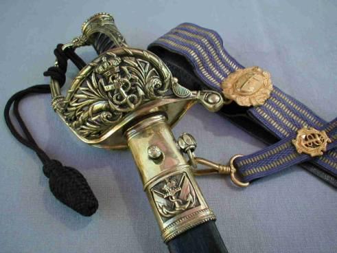 Sabres d'officier de marine : 1837, 1853, 1870, 1891, 1957 - Page 2 Image010