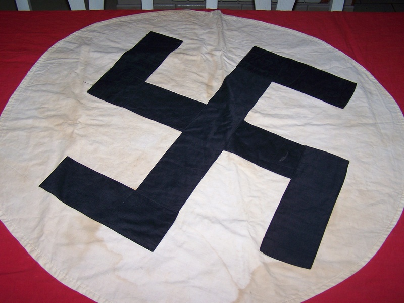 """Info """"drapeau"""" allemand des façades de bâtiment ww2 100_0112"""