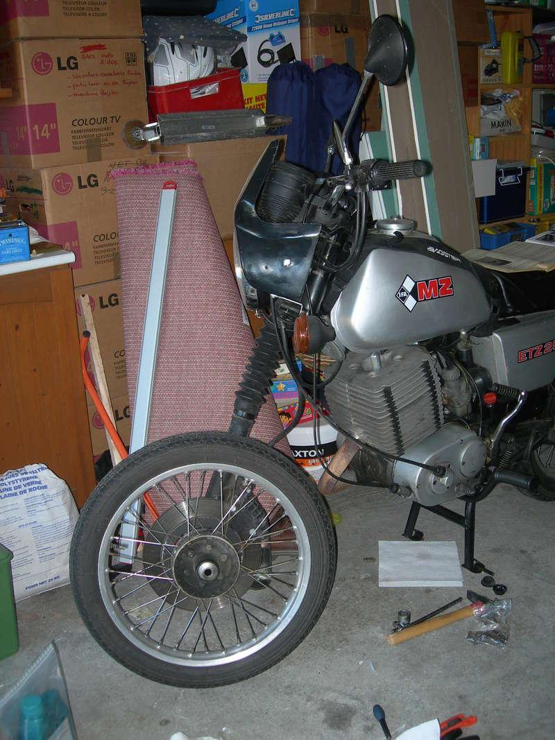 Remontage ETZ 250 - Page 2 Dscn9017