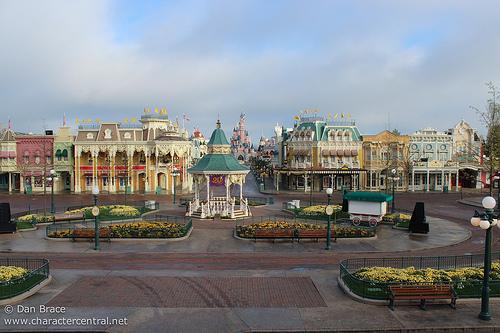 [Saison] 25ème Anniversaire de Disneyland Paris (jusqu'au 09 septembre 2018) Img_1311