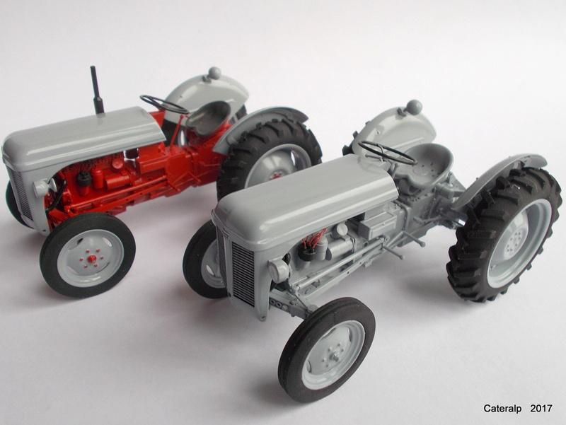 """Ferguson FF-30 mon petit gris """"rouge """" et TE-20 mon petit gris """"gris""""  - Page 2 Deux_f13"""