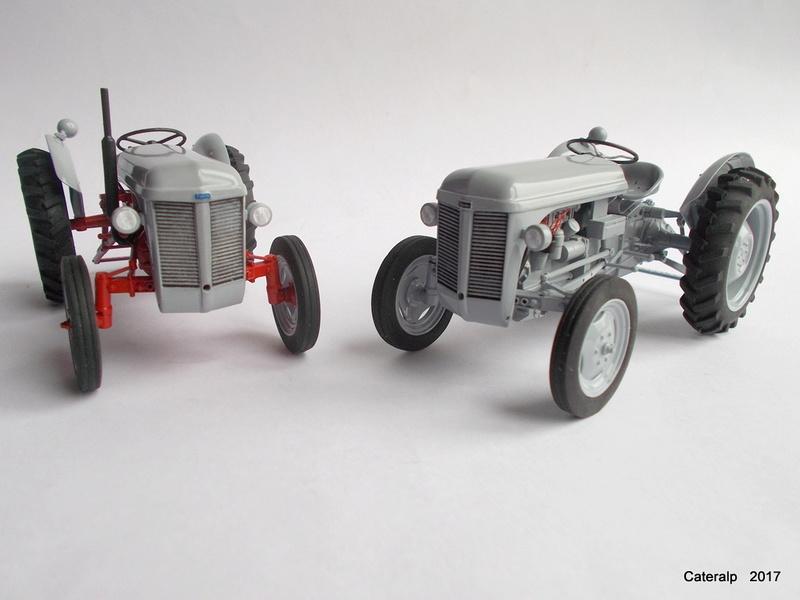 """Ferguson FF-30 mon petit gris """"rouge """" et TE-20 mon petit gris """"gris""""  - Page 2 Deux_f17"""