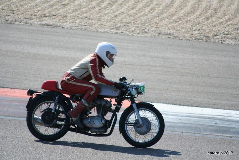 Les photos des Coupes Moto Légende 2017 Moto_140