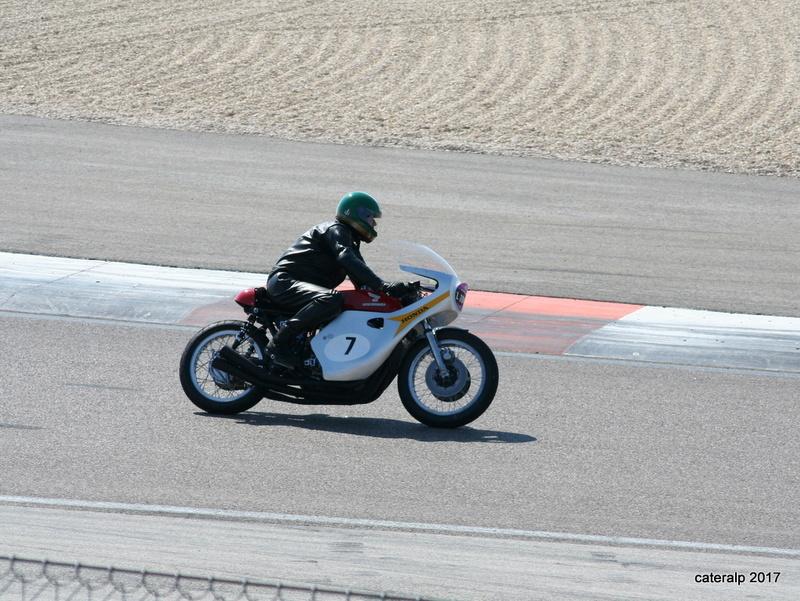 Les photos des Coupes Moto Légende 2017 Moto_149