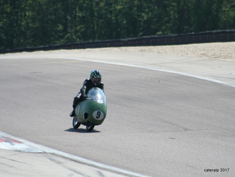 Les photos des Coupes Moto Légende 2017 Moto_193