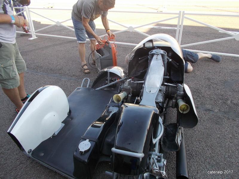 Les photos des Coupes Moto Légende 2017 Moto_l59