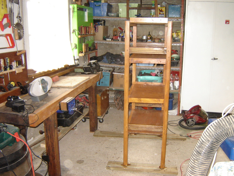 Une étagère solide pour les conserves Dsc05010