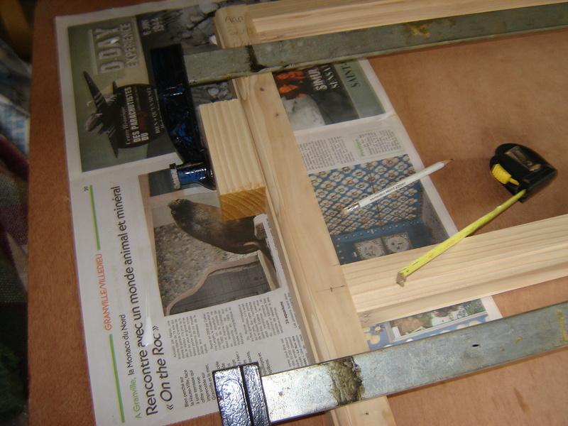 Une étagère solide pour les conserves Dsc05014
