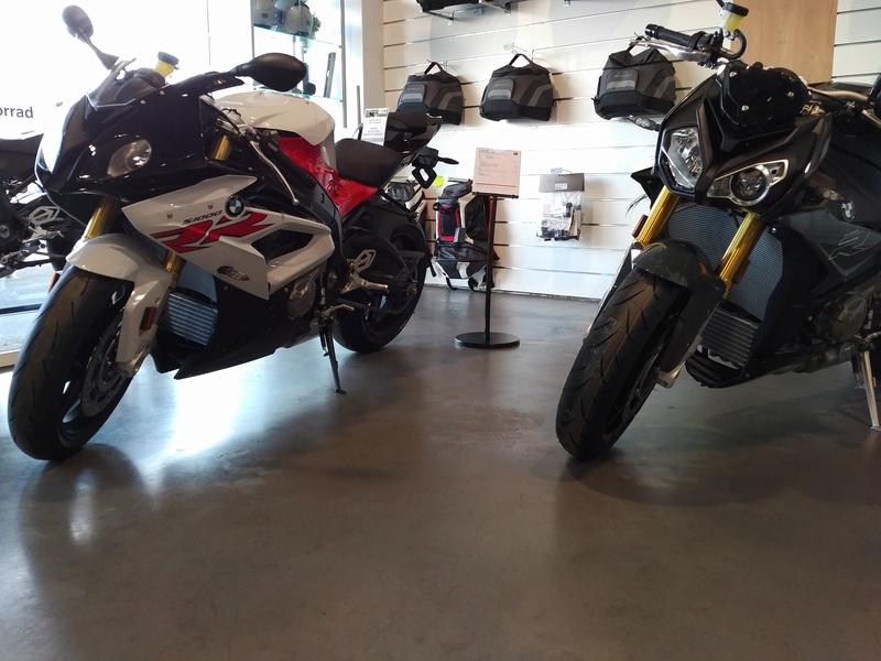 Quand Ratus teste des motos - Page 8 Img_2013