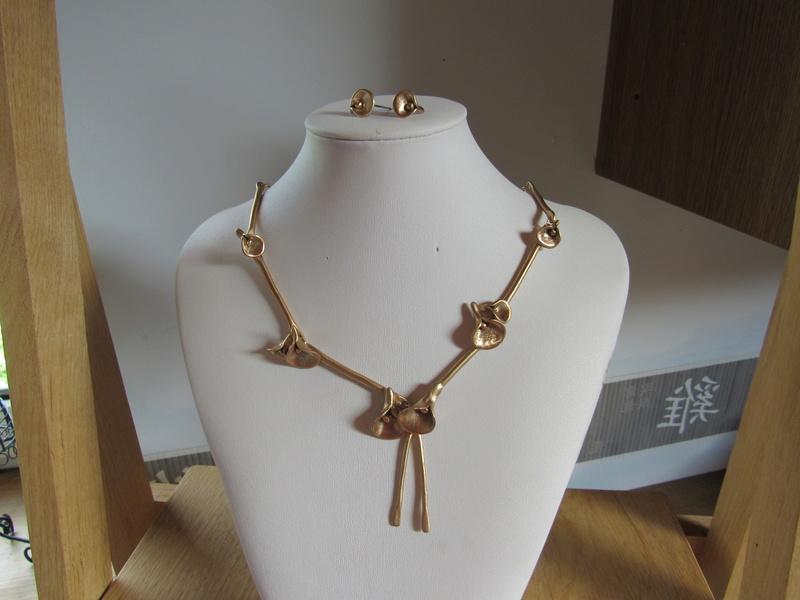 mes créations en bronze doré classique Img_6811