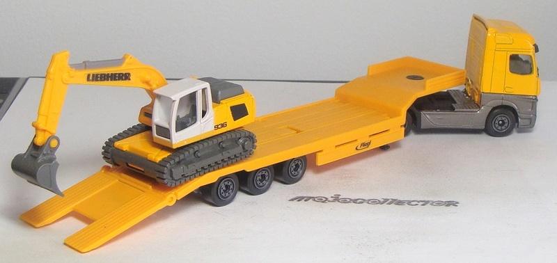 N°623 MERCEDES-BENZ ACTROS II + N°624 FLIEGL LOW LOADER + LIEBHERR EXCAVATOR R936 623-6210
