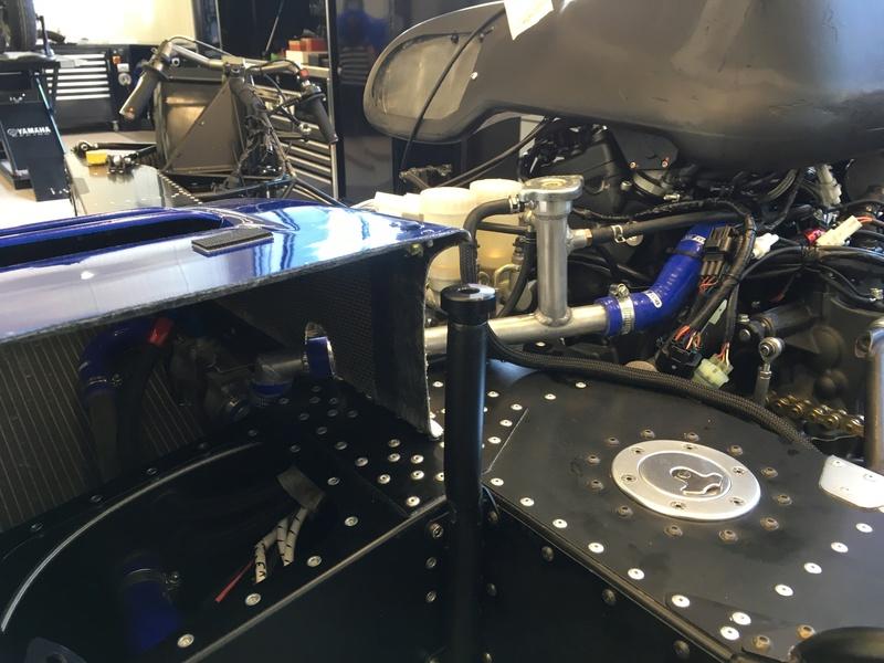 Side LCR Yamaha R6 Img_0812