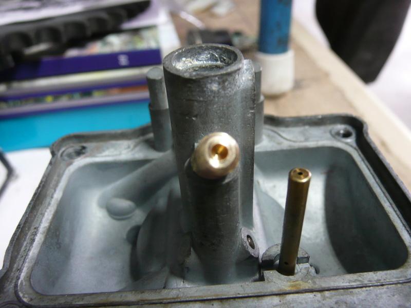Gicleur de ralenti P1220413