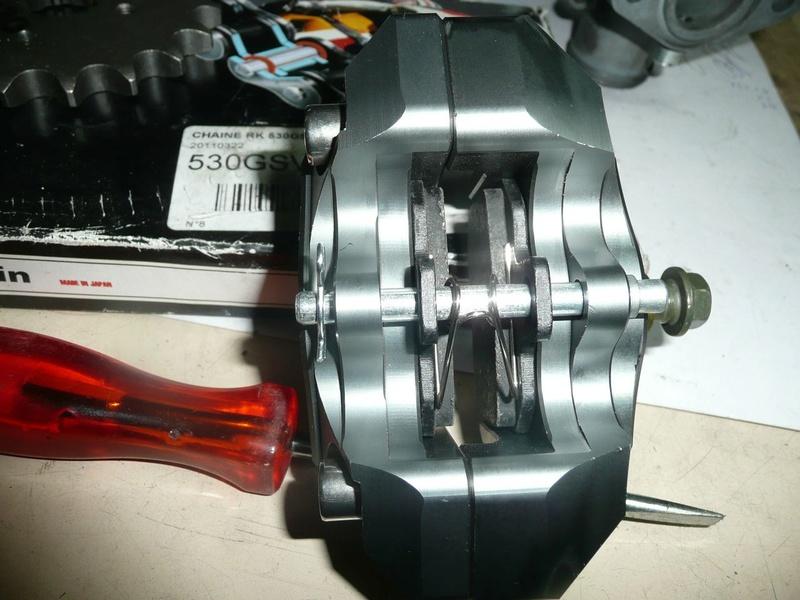 étrier de frein AR Brembo P1220416