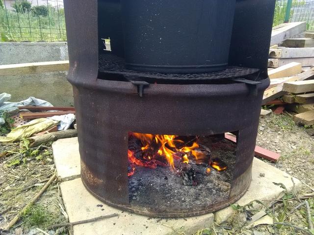Stérilisation bocaux pâté au feu de bois - Page 3 Img_2028