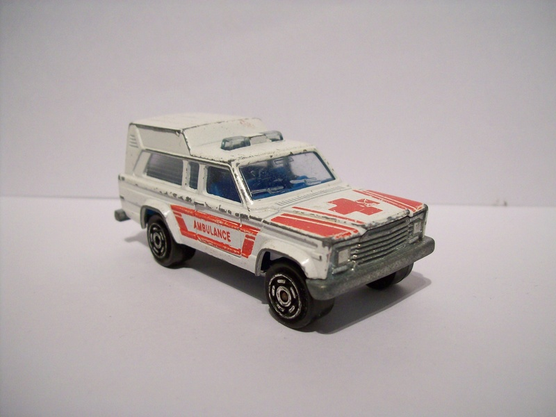 N°269 JEEP CHEROKEE AMBULANCE 126_3011