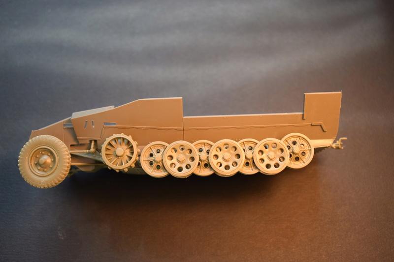 Sd.Kfz.251/17 Ausf.C - AFV CLUB au 1/35e Dsc_0616
