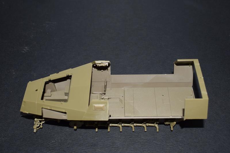 Sd.Kfz.251/17 Ausf.C - AFV CLUB au 1/35e Dsc_0619