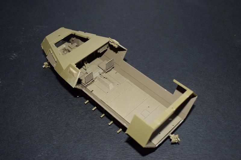 Sd.Kfz.251/17 Ausf.C - AFV CLUB au 1/35e Dsc_0620