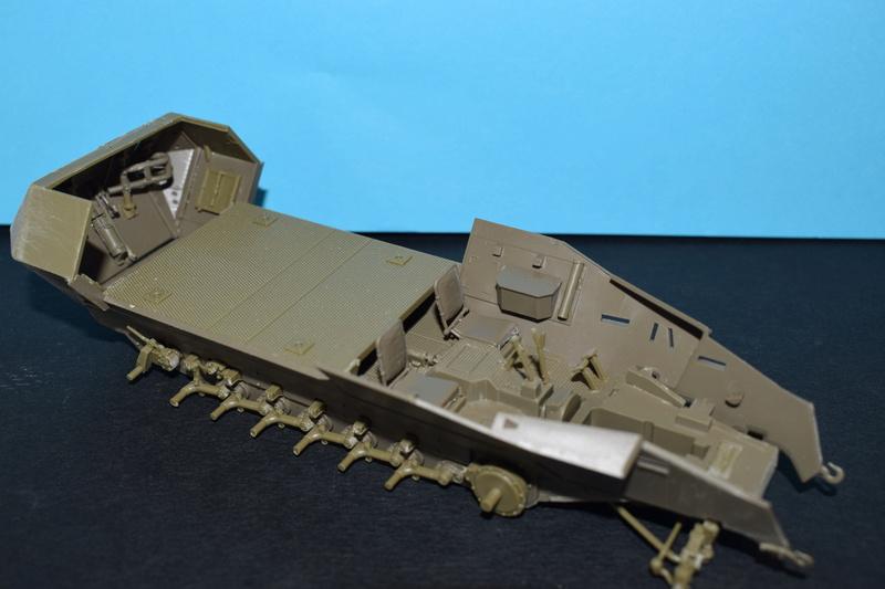 Sd.Kfz.251/17 Ausf.C - AFV CLUB au 1/35e Dsc_0715
