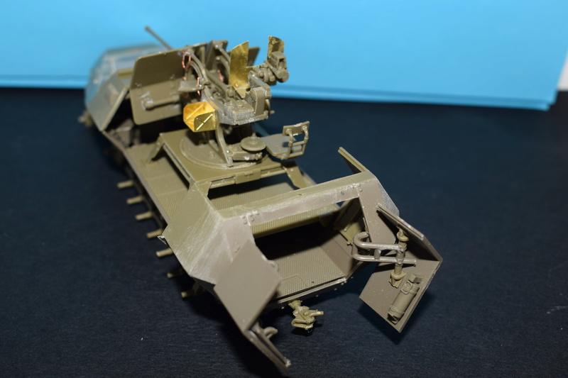 Sd.Kfz.251/17 Ausf.C - AFV CLUB au 1/35e Dsc_0719