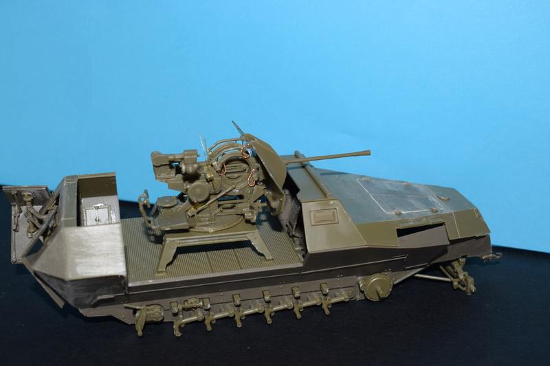 Sd.Kfz.251/17 Ausf.C - AFV CLUB au 1/35e Dsc_0720