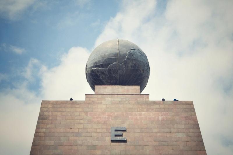 Globes terrestres visibles depuis les cieux - Page 2 261