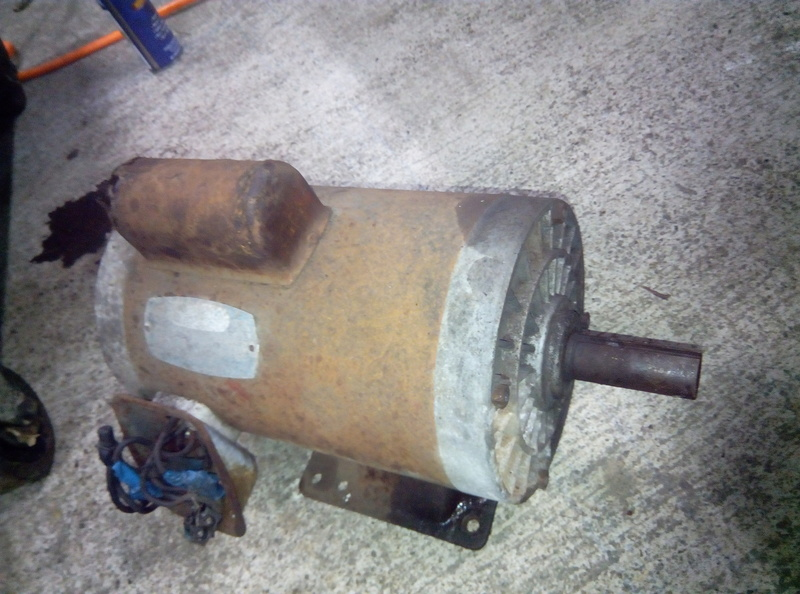Tentative de réparation d'un compresseur 500 l Img_2016