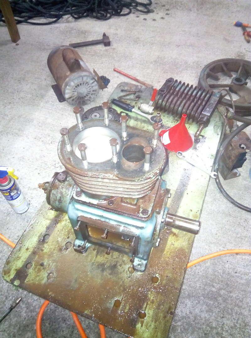 Tentative de réparation d'un compresseur 500 l Img_2018