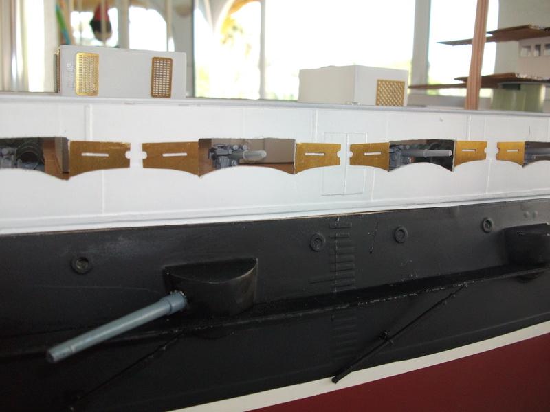 HMS HANNIBAL 1/96  (Predreadnought) DEAN'S MARINE - Page 7 Dscf2917