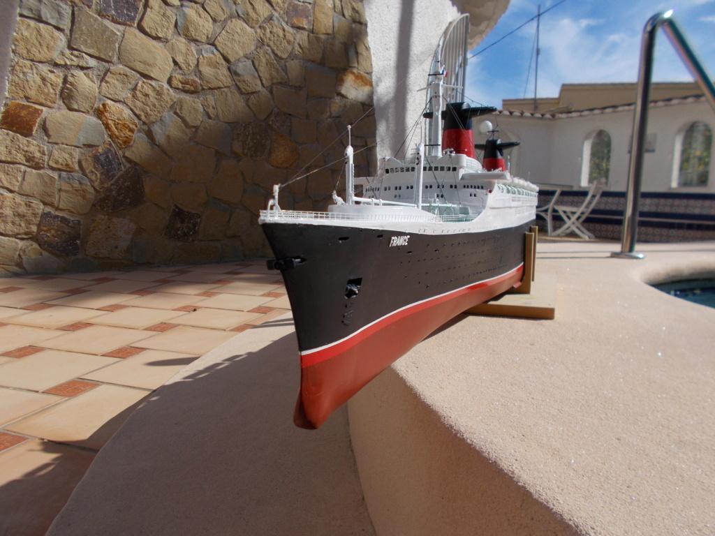 Le FRANCE  1/200°   New Cap Maquettes par Calpe - Page 7 Dscn0317