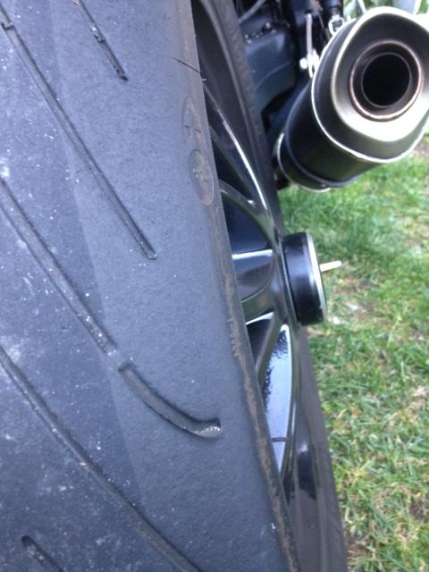 Usure bizare de mon pneu Pilot Power 3 - Page 2 Image20