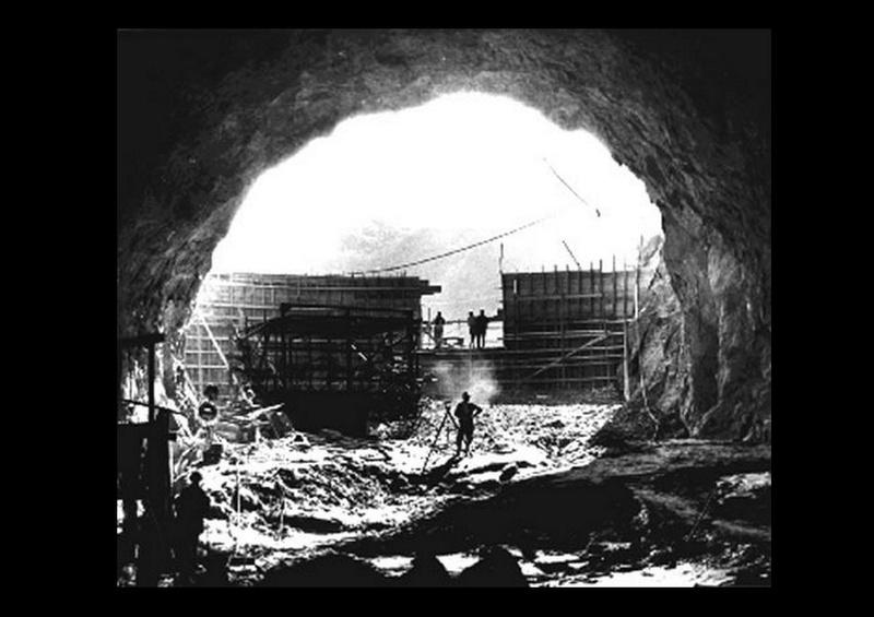 Un chantier colossal : le Hoover Dam  Sans_t70