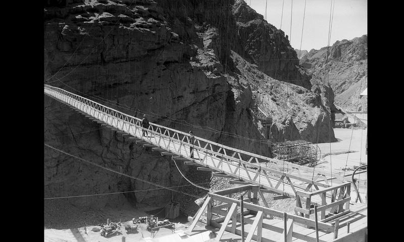 Un chantier colossal : le Hoover Dam  Sans_t71