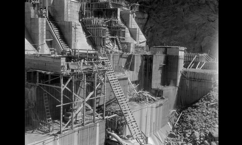 Un chantier colossal : le Hoover Dam  Sans_t80