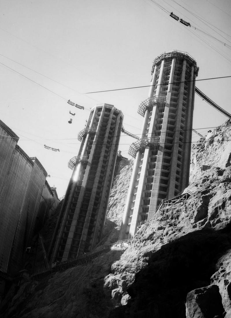 Un chantier colossal : le Hoover Dam  Sans_t85