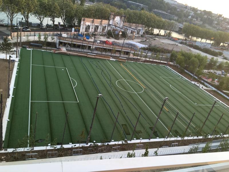 Terrain de foot et de rugby - Page 2 Stade10