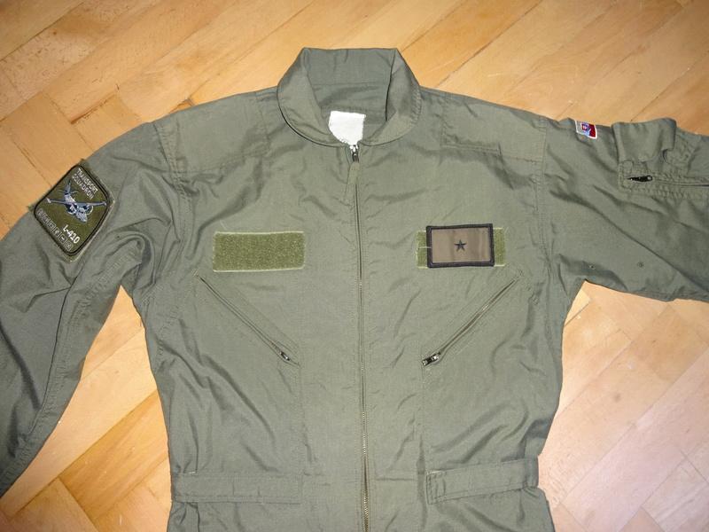Slovak Air Force flight jumpsuit, gloves and garrison cap Dsc02612