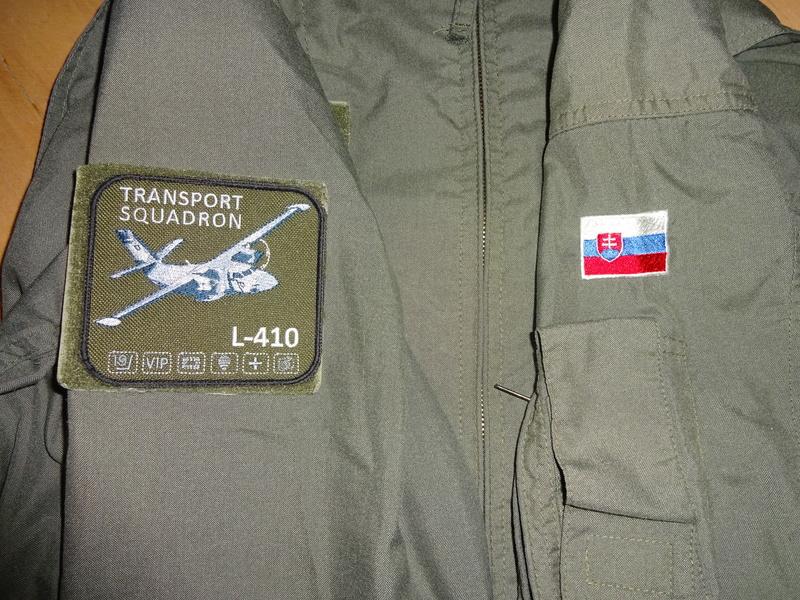Slovak Air Force flight jumpsuit, gloves and garrison cap Dsc02613