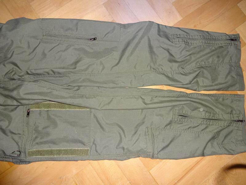 Slovak Air Force flight jumpsuit, gloves and garrison cap Dsc02618