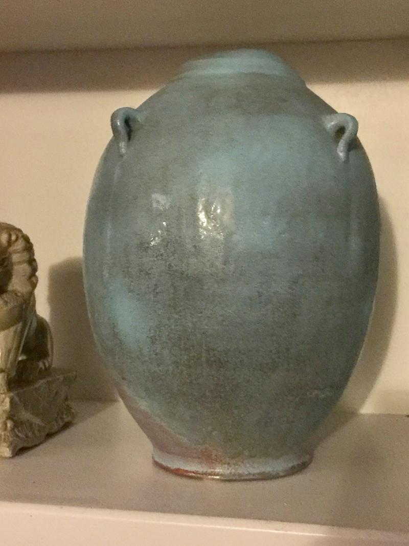 Beautiful, large blue vase - but by who? Vase_111