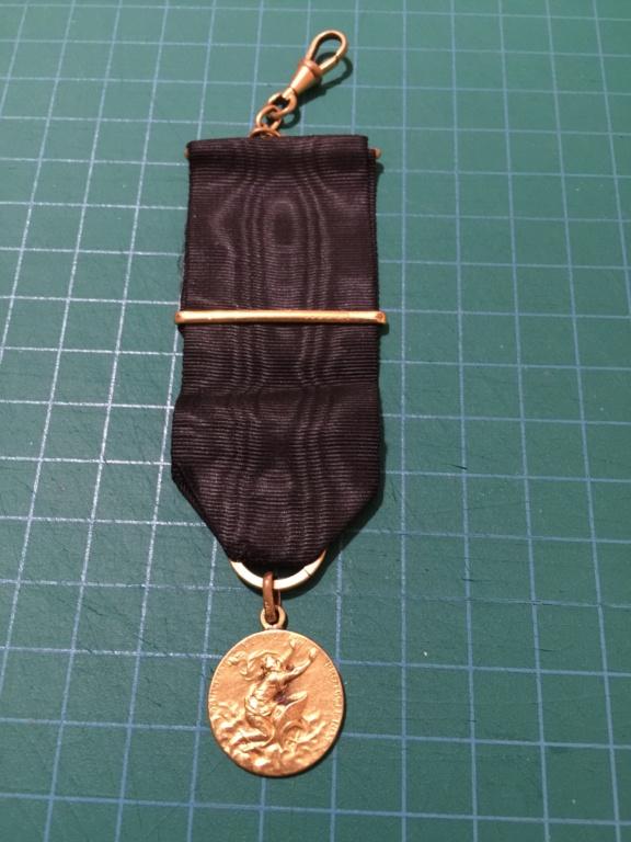 insigne  médaille aviation Img_0412