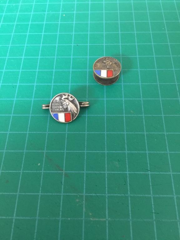 insigne la France aux Français Img_1627