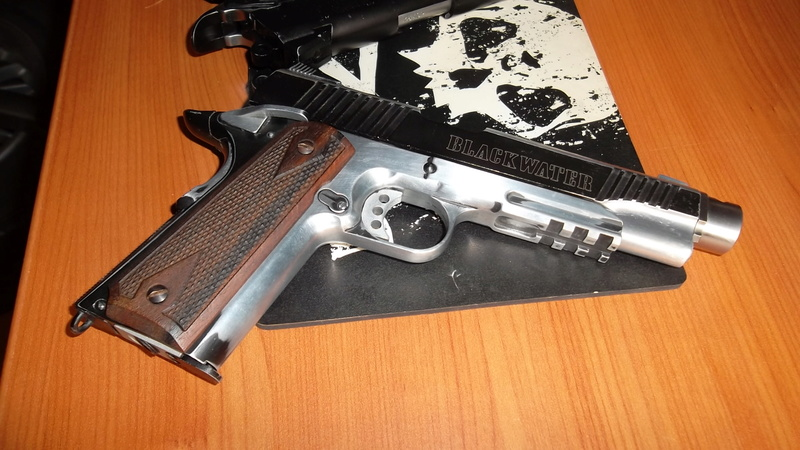 SWISS ARMS 1911 SEVENTIES STAINLESS - Page 2 Sam_2920