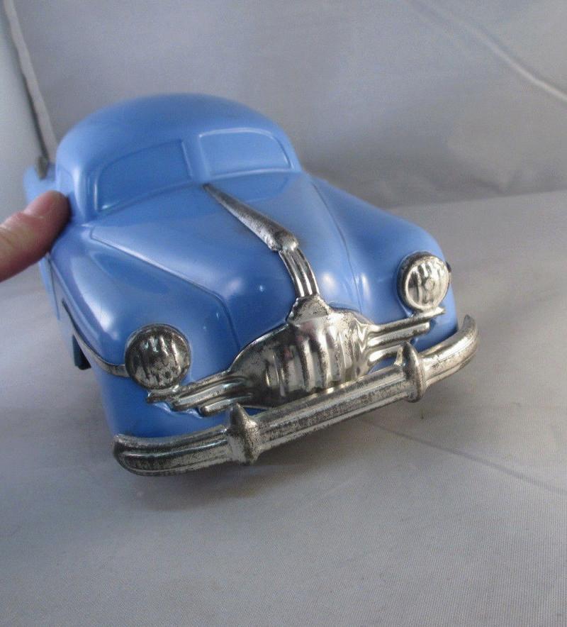 BELCO LUX KEY WIND FUTURISTIC PUSH BUTTON PLASTIC CAR 125