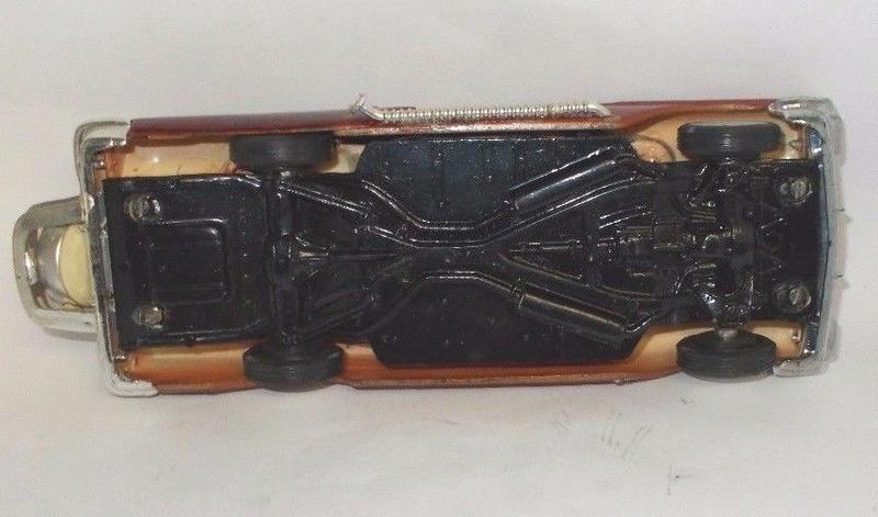 Vintage built automobile model kit survivor - Hot rod et Custom car maquettes montées anciennes - Page 9 1319