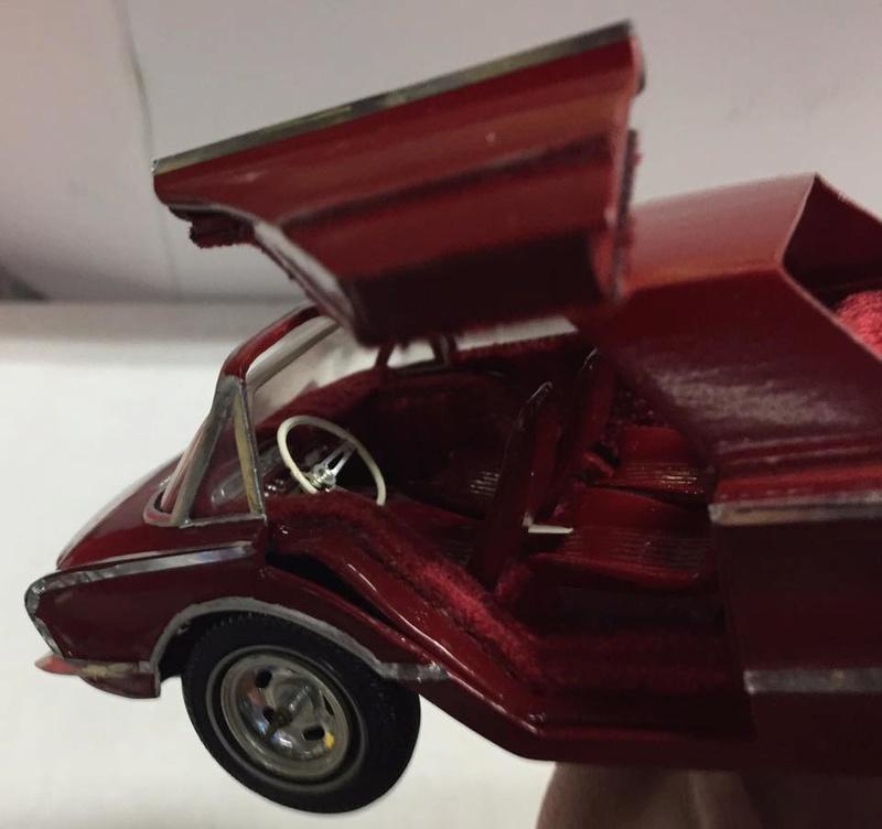 Vintage built automobile model kit survivor - Hot rod et Custom car maquettes montées anciennes - Page 8 17156210