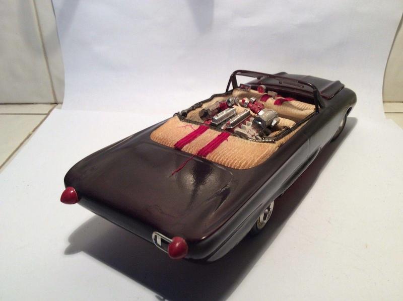 Vintage built automobile model kit survivor - Hot rod et Custom car maquettes montées anciennes - Page 8 17807310