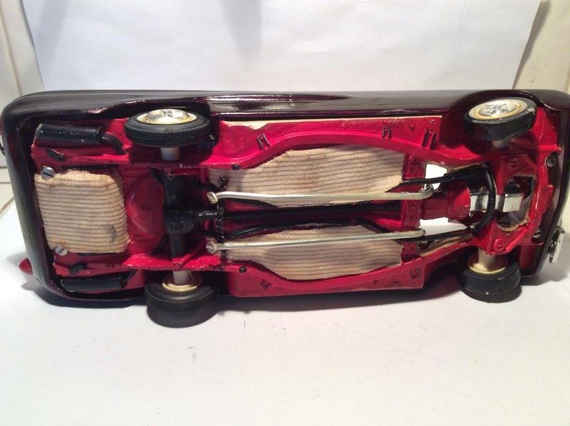 Vintage built automobile model kit survivor - Hot rod et Custom car maquettes montées anciennes - Page 8 17834810